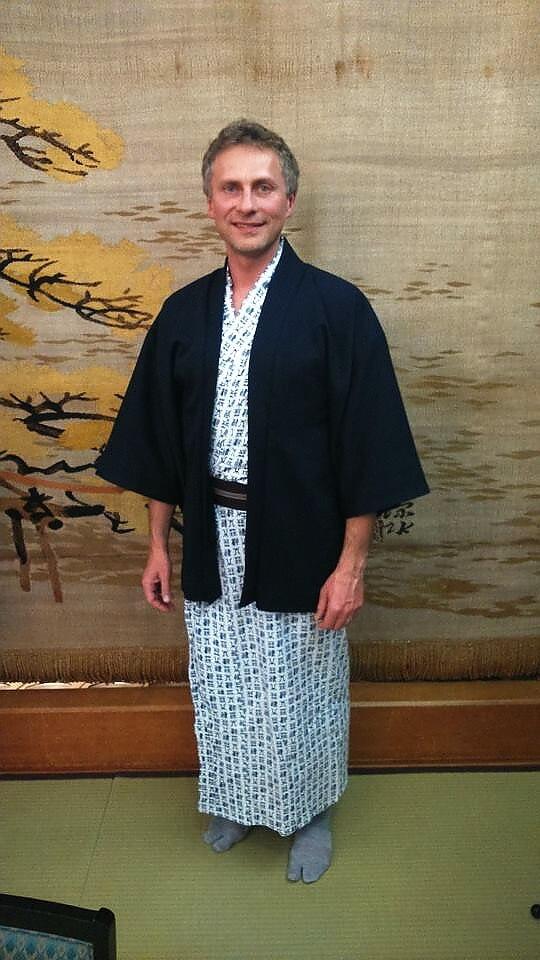 Darek w tradycyjnym stroju japońskim