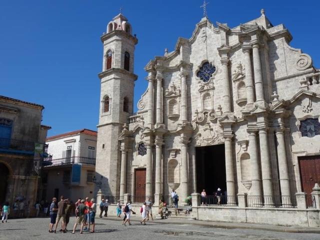 Katedra w Hawanie - fasada w słońcu