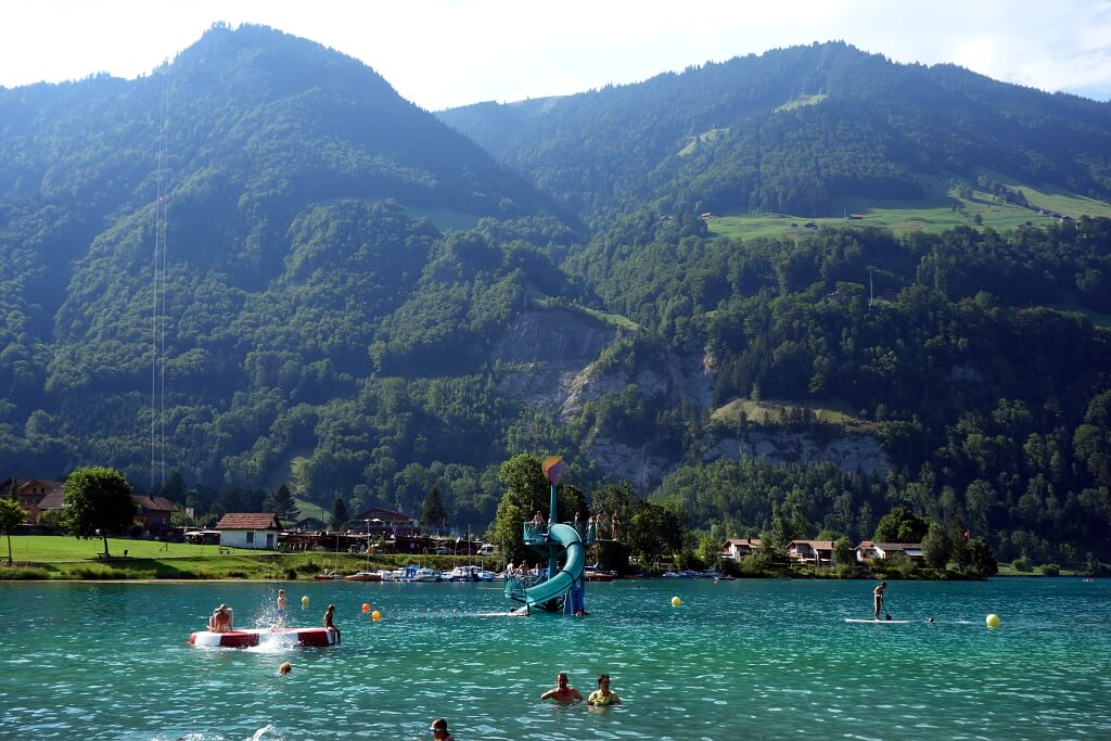 Kąpielisko w jeziorze szwajcarskim