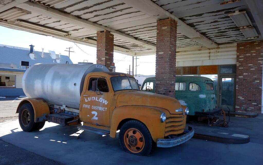 """Ciężarówka z filmu """"Auta"""" na amerykańskich bezdrożach"""
