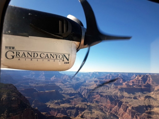 lot nad kanionem rzeki Colorado