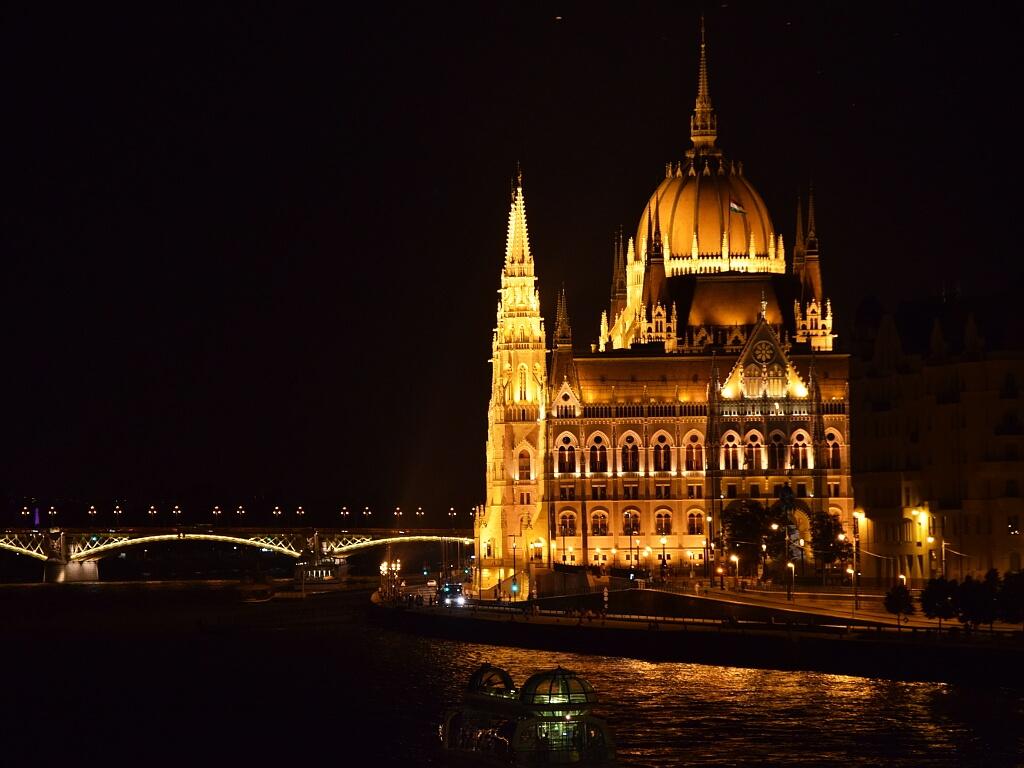 Budapesz, Parlament