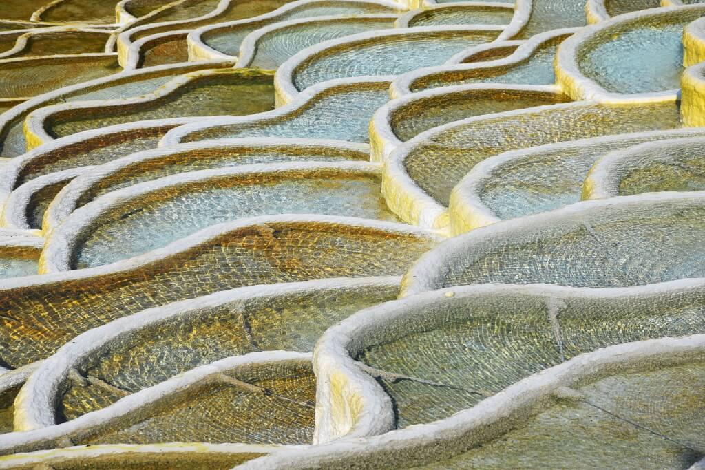 Wapienne tarasy w okolicach Egeru