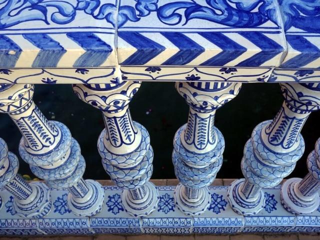 Przepiękny, ceramiczny, ręcznie malowany detal architektoniczny