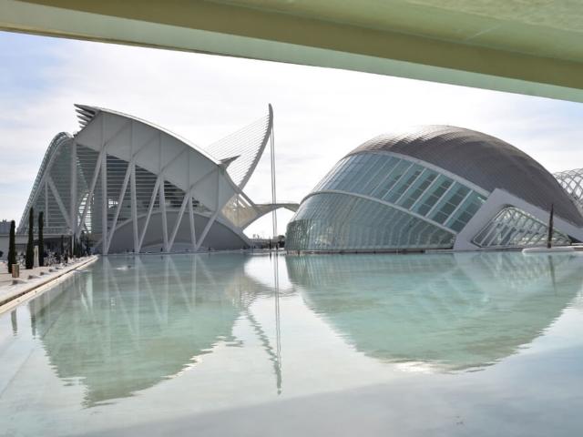 Futurystyczne budynki Walencji - Muzeum Nauki oraz Kino