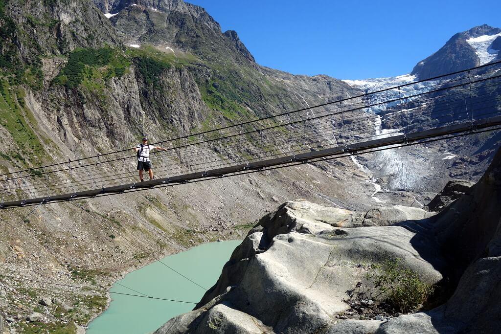 Darek na wiszącym moście, Szwajcaria